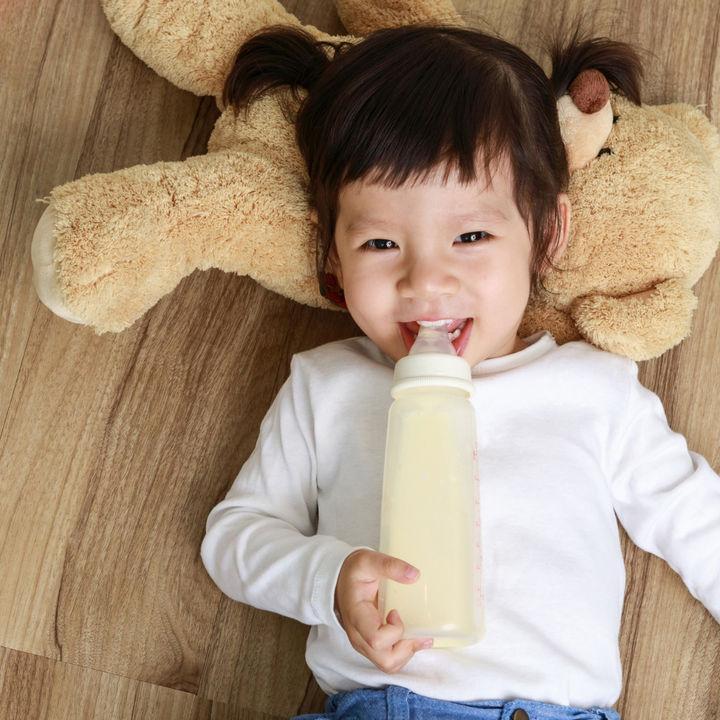 【体験談】ミルクはいつまで?卒乳の進め方や寝る前と夜中の対応など