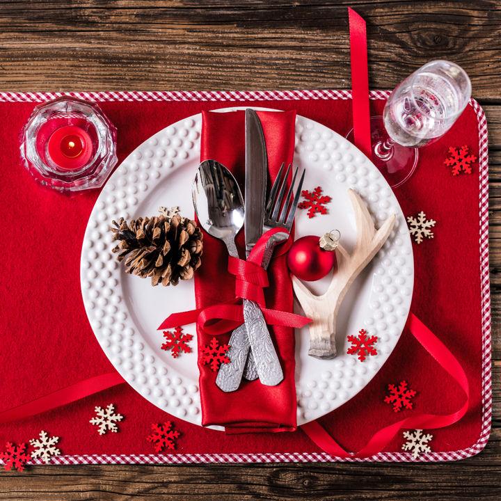 クリスマスのテーブルコーディネート。簡単におしゃれにする方法
