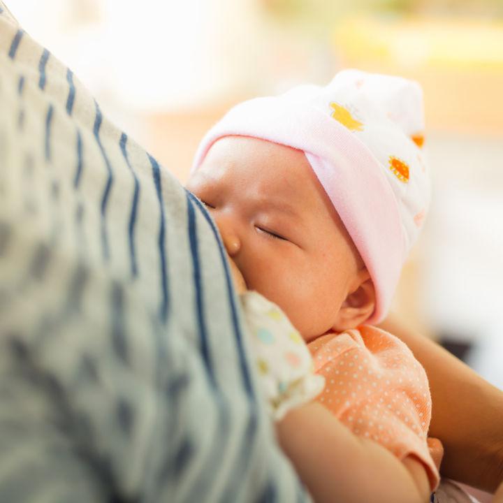 母乳はいつまであげる?ママたちにきく、仕事復帰などで卒乳をしたタイミング