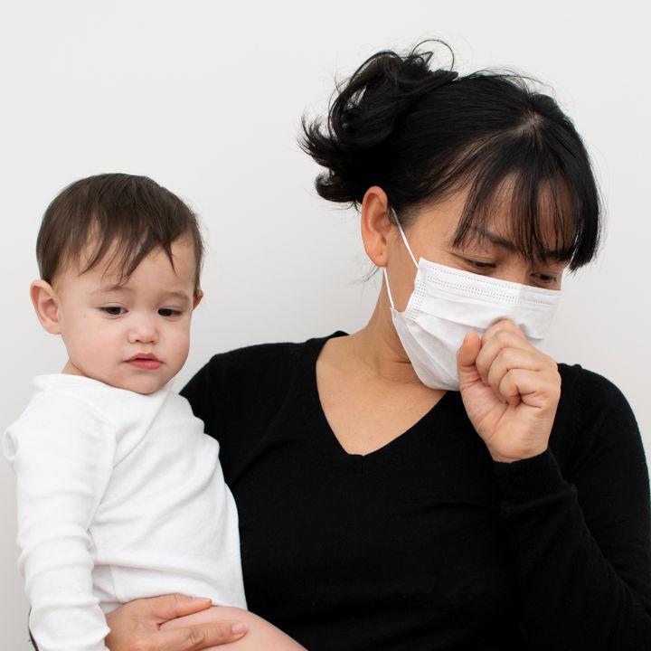 【産婦人科医監修】ママがインフルエンザのときは母乳を与えてよい?授乳時に気をつけること