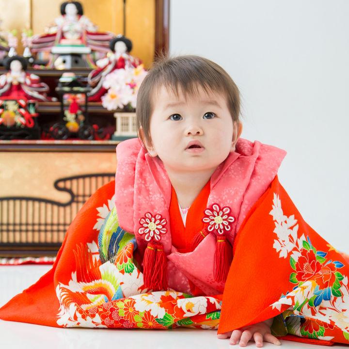 子どもの初節句には何を着せる?着物やロンパースなどの選び方と用意の仕方