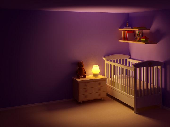 夜の子ども部屋のベッド