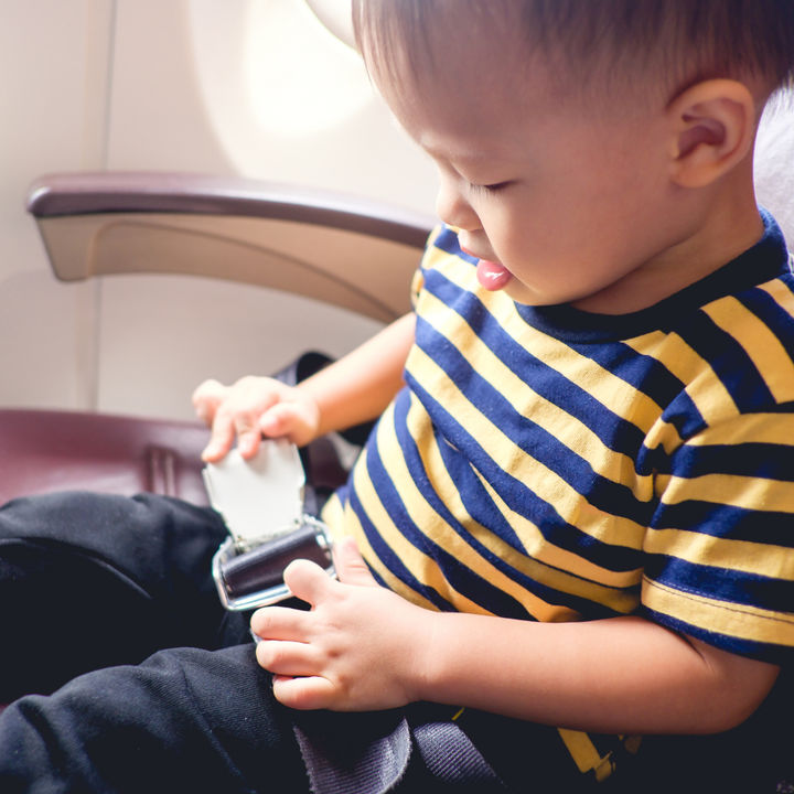 3歳の子どもと乗る飛行機。座席の選び方や機内での過ごし方