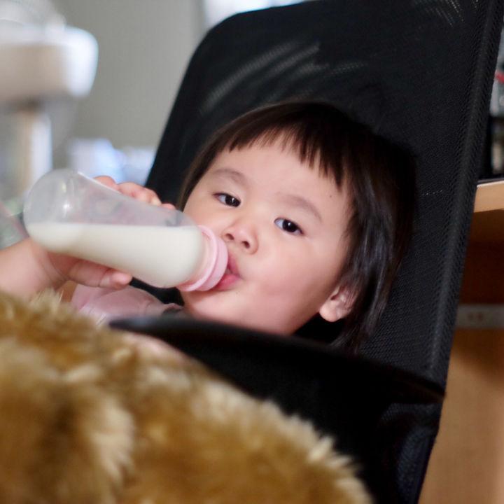 2歳児の卒乳の仕方。進め方や夜泣き対策、寝かしつけの方法