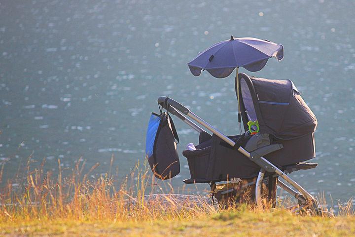 ベビーカーの傘ホルダー