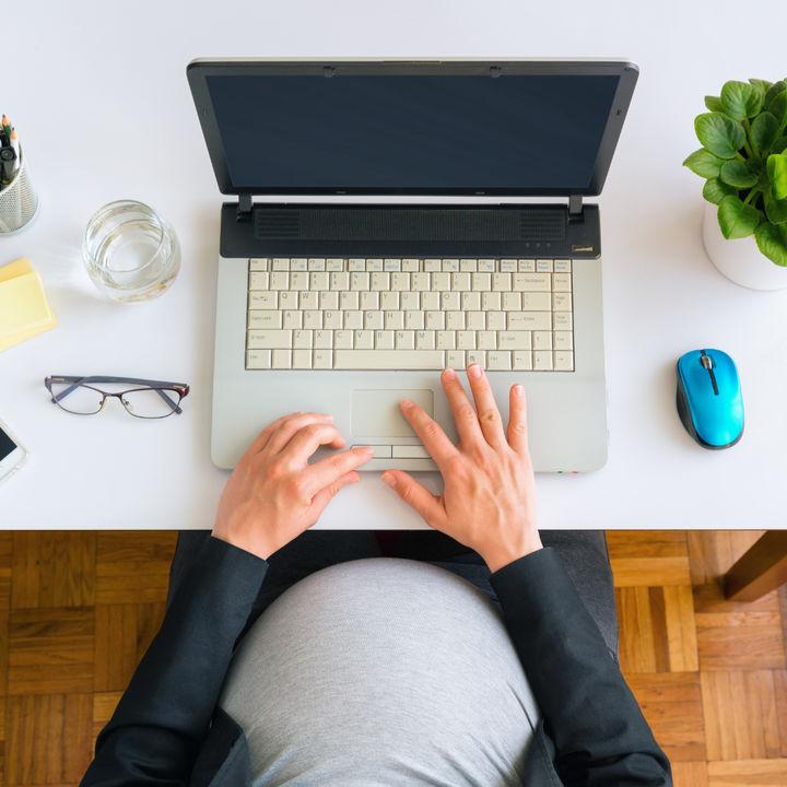 産休と有給について。産休中に有給は発生するのかなど調査
