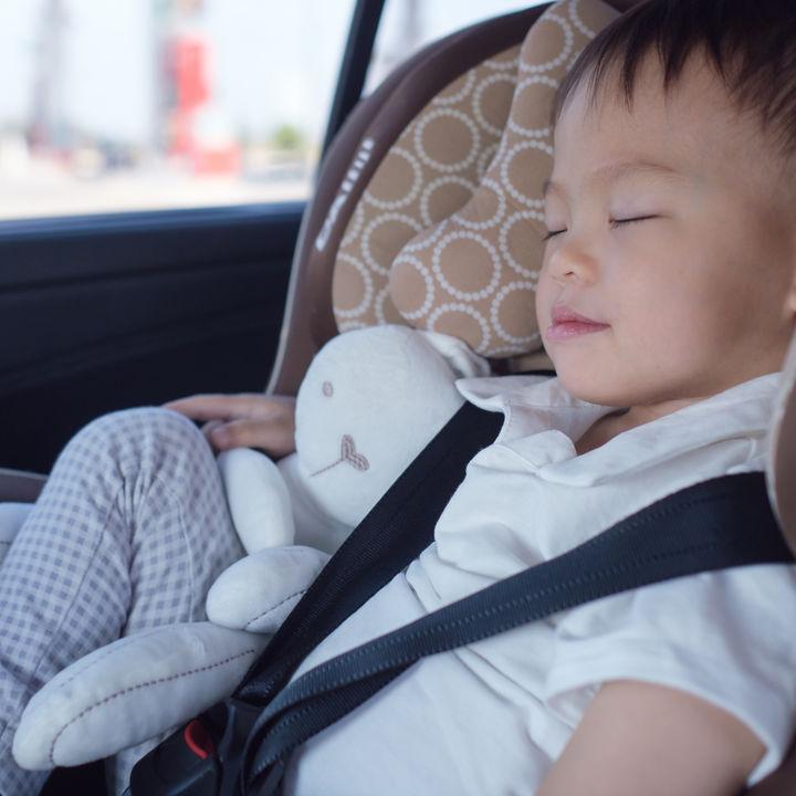 3歳児のチャイルドシート。リクライニングなどの機能も紹介