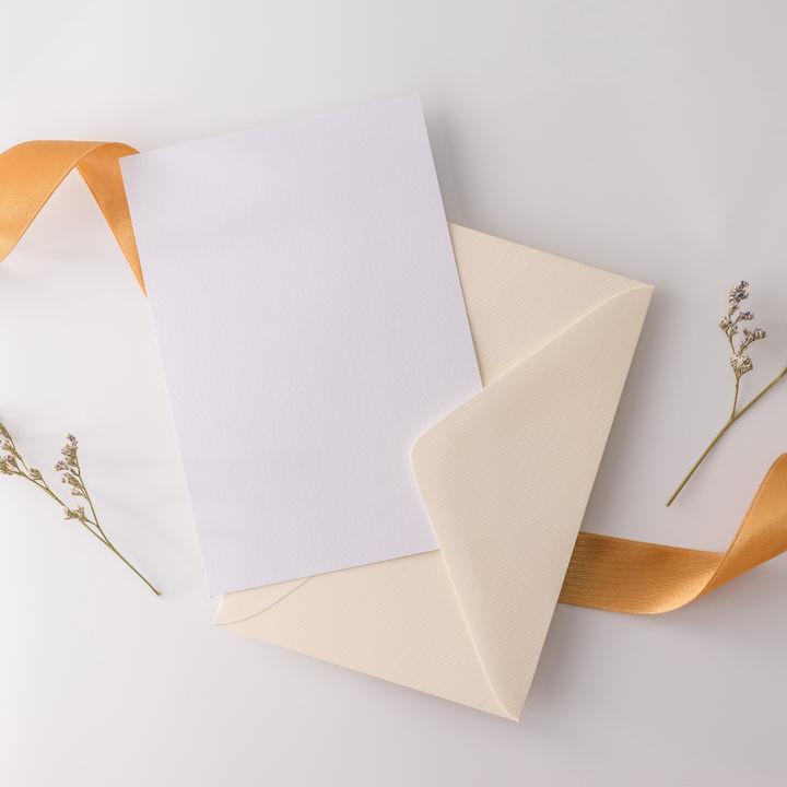 謝恩会の招待状、案内状を手作りしよう。先生宛や保護者宛などの文例