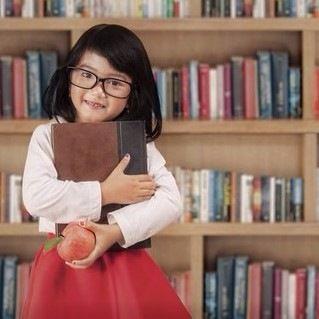 「ママ、これよんで!」子どもが自分から持ってくる絵本、何冊ありますか?