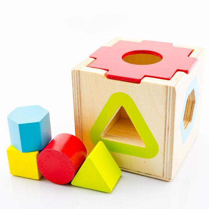 2歳児が楽しめるおもちゃ。乗り物や知育系、組み立てて遊ぶおもちゃ