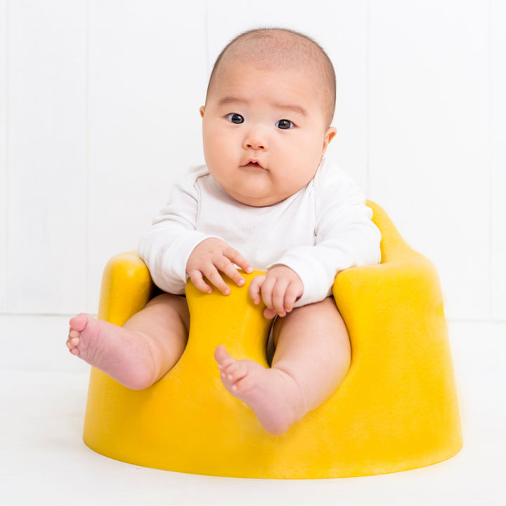 乳児用の椅子はいつから使う?種類や選ぶときのポイント