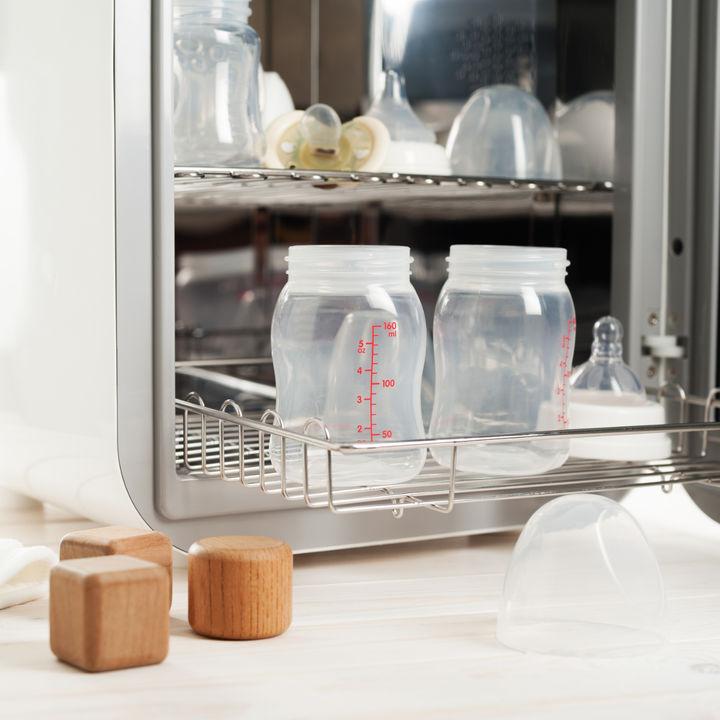 哺乳瓶のキッチン収納。収納ケースの種類や使った100均グッズ