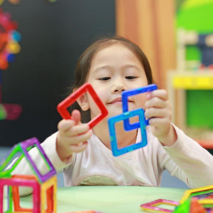 4歳の子どもにプレゼントするパズル。知育や立体など