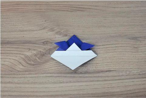 折り紙「兜」手順8-1