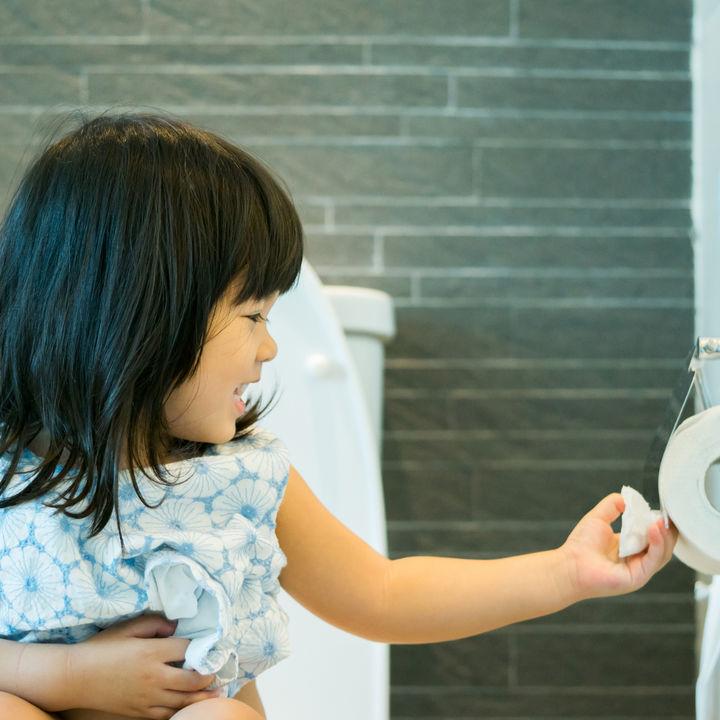 幼児のトイレトレーニングの進め方。トイレへ行く回数や練習方法