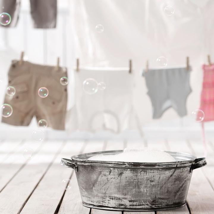 手洗いで洗濯をするとき。洗い方や脱水の方法、グッズなど