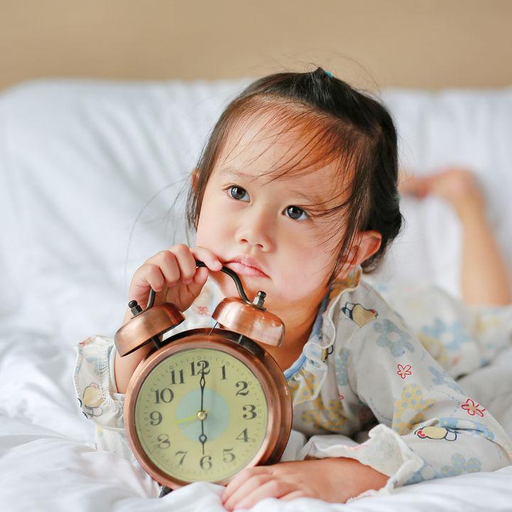 幼児への時計の教え方は?絵本や時計学習用のおもちゃを使った覚え方