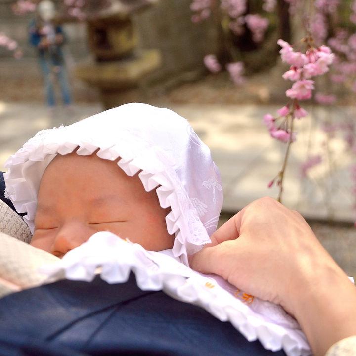 お宮参りの赤ちゃん衣装選び。季節ごとのポイントやレンタルなど用意の仕方