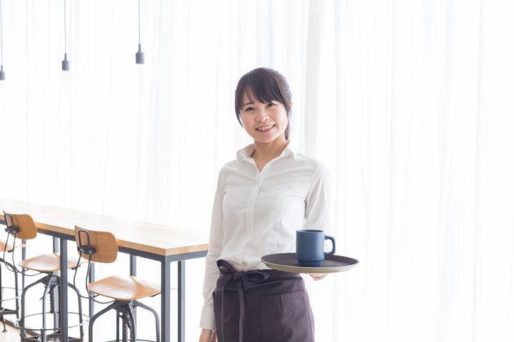 カフェのパートママ