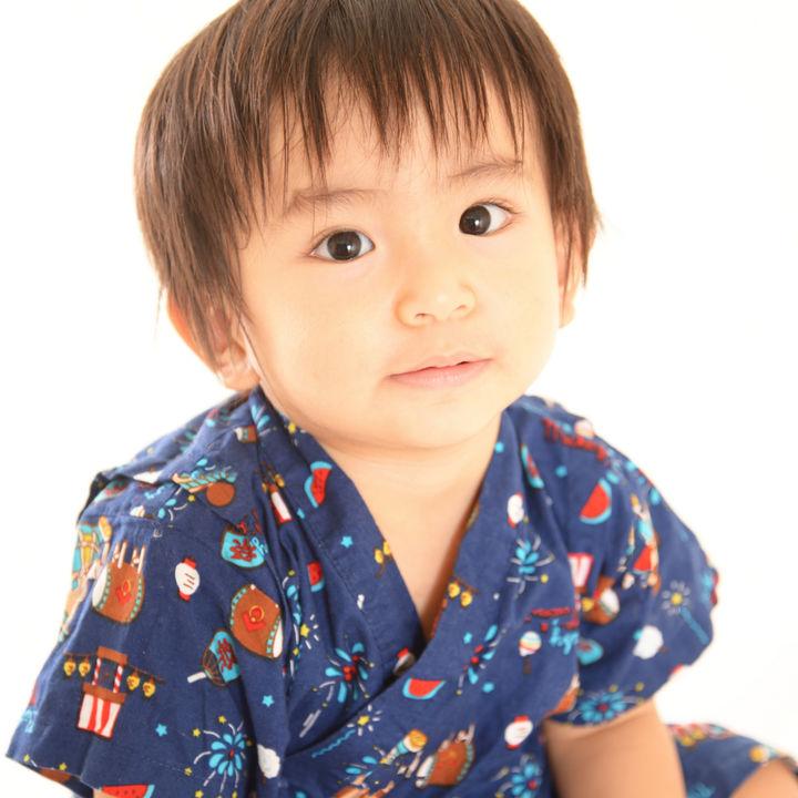 男の子が喜ぶ子ども用の浴衣を選ぼう。帯の結び方や着せ方のポイントなど