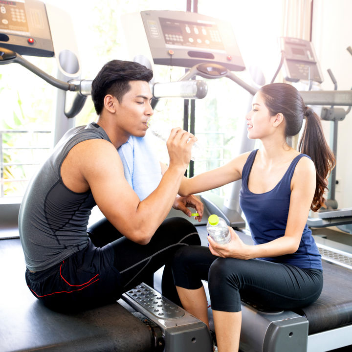 夫婦でスポーツをしよう。スポーツジムや家などで体を動かす趣味作り