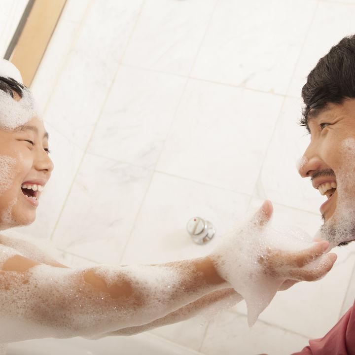 お風呂の時間はパパにおすすめ育児。入れ方や道具の紹介