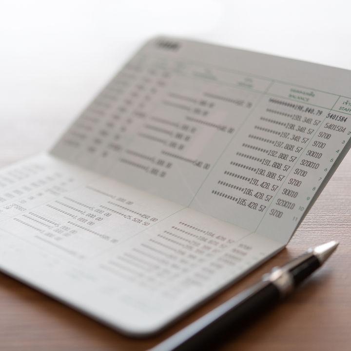 夫婦の通帳。名義や分け方、暗証番号などの管理方法を調査