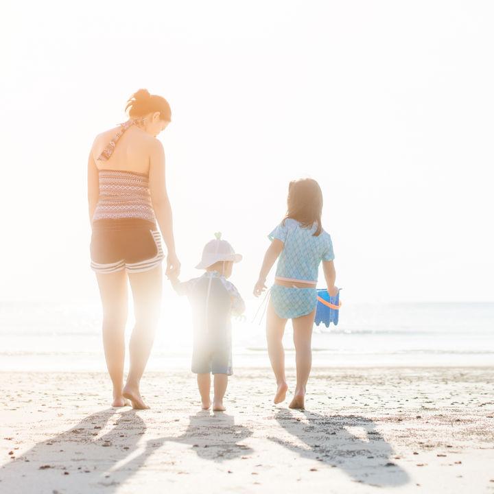 産後のママも水着が着たい。水着の種類や選び方