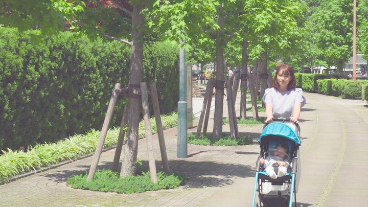 ベビーカーで赤ちゃんと散歩