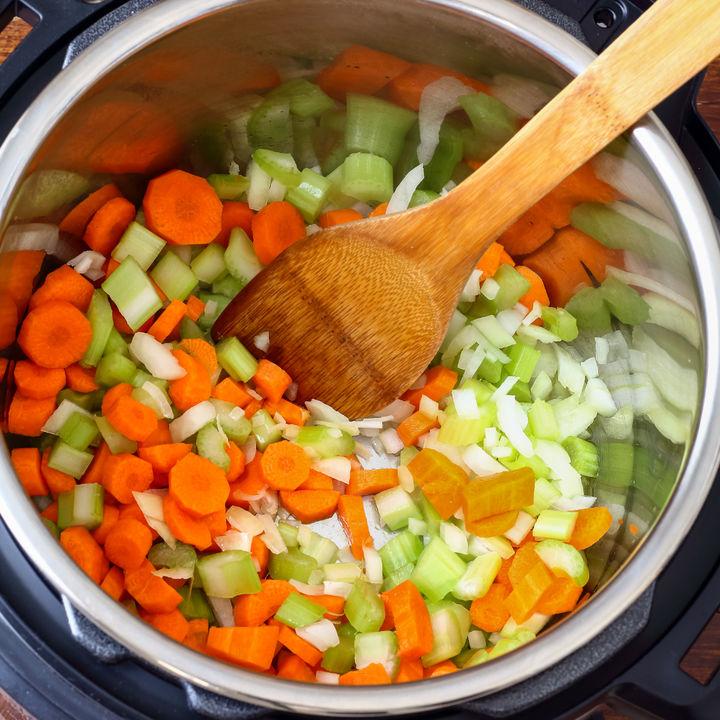 圧力鍋を使って作る離乳食。感動エピソードやレシピの紹介