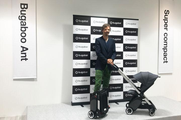 アーノルトダイクストラ- ヘリンガ氏と最新モデルのバガブーアント