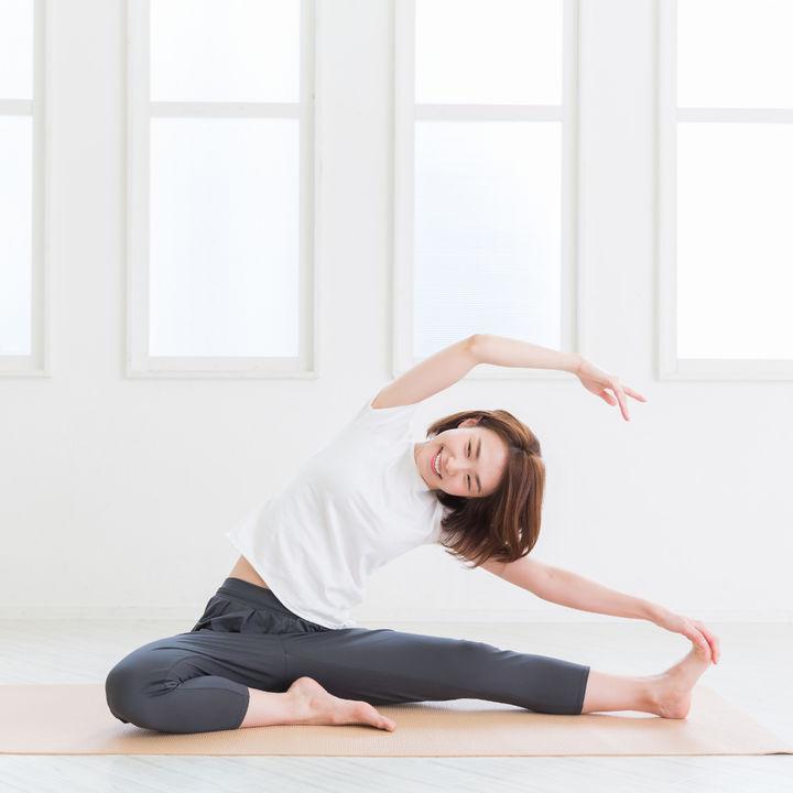 産後の体操のやり方。産褥期と産後1カ月以降の運動について