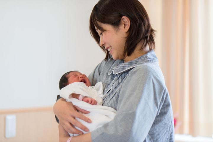 出産すぐのママと赤ちゃん