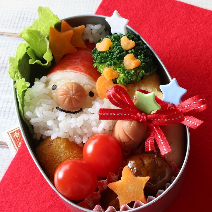 子どもに作るクリスマスのお弁当。簡単レシピやかわいく仕上げるコツ