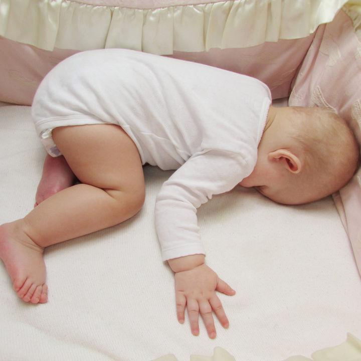 生後5ヶ月で寝返りをした?まだしない?練習方法や意識したこと