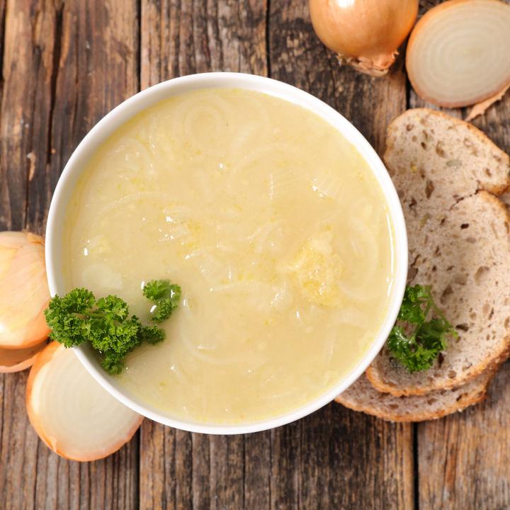 離乳食初期の玉ねぎのレシピ。電子レンジや炊飯器を使った調理方法