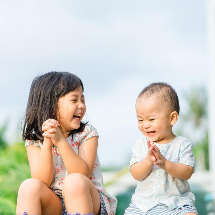 子どもが2人いる家庭の年収はいくら?児童手当てやお金のやりくりについて紹介