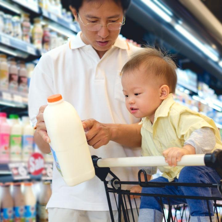 パパ&子どもでおつかい行こう!食材や値段などを確認して準備