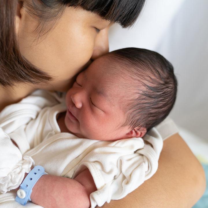 新生児期の赤ちゃんの肌着の種類や準備の仕方