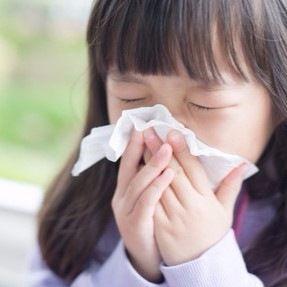 お医者さんに聞く「子どもの花粉症は小児科・耳鼻科・アレルギー科…どれに行くべき?」