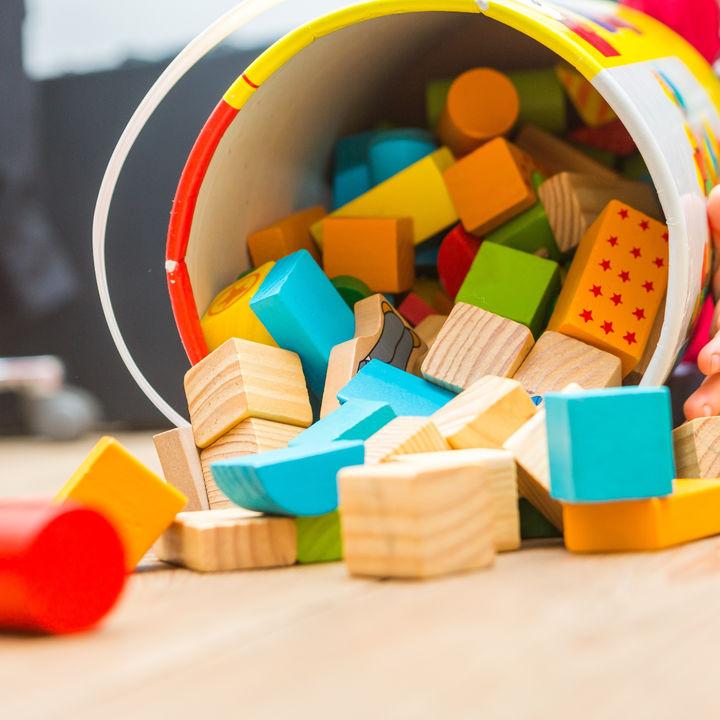 幼児が楽しく遊べるブロック。知育ブロックなどの種類や選び方について