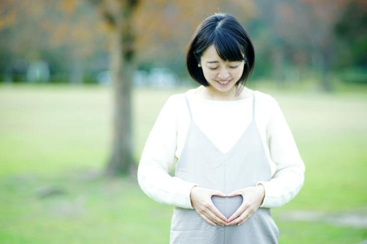 笑顔の妊婦さん