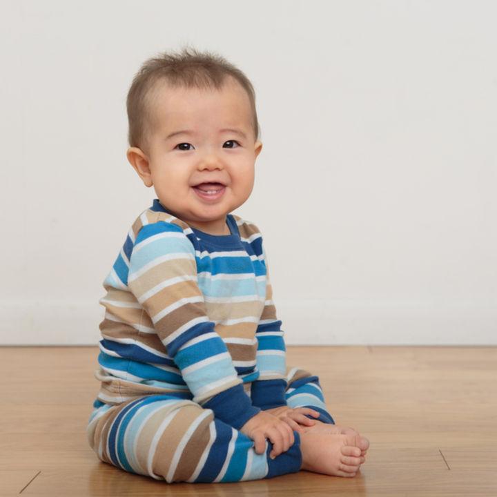 生後7カ月の赤ちゃんが着る冬のパジャマ。種類や選び方って?