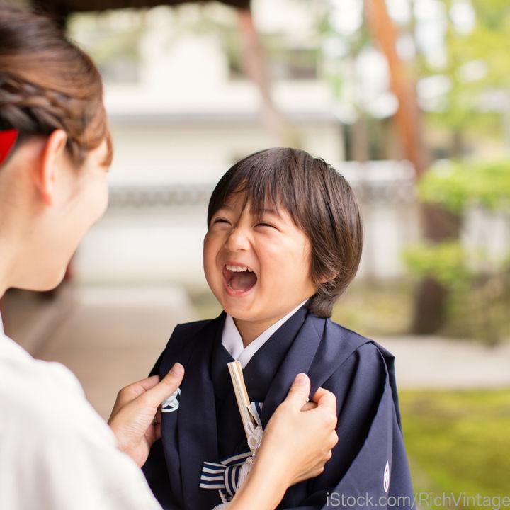 七五三に男の子が着る袴の着付けの仕方。おしゃれな柄や選び方