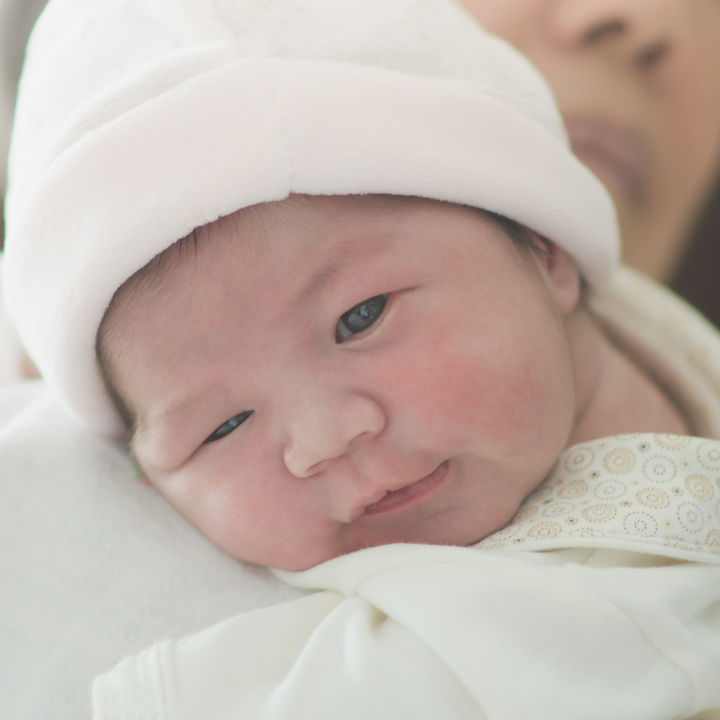出産から1カ月頃までの赤ちゃんとママのすごし方。外出やお祝いについて