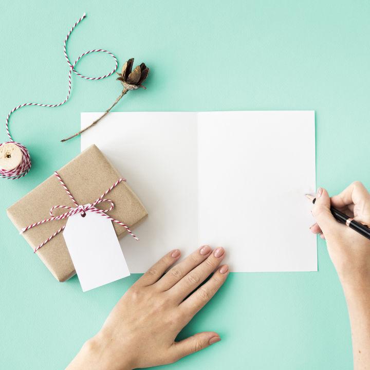 お食い初めにメッセージを贈ろう!プレゼントへの添え方や例文を紹介