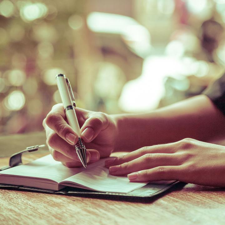 子育てノートや日記のつけ方。ママたちの記録内容や期間