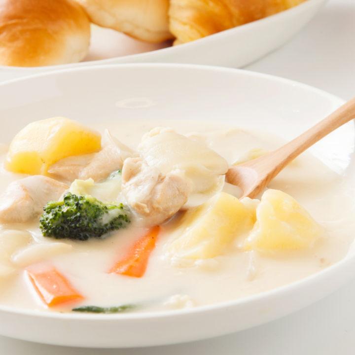 鶏肉で作る離乳食のシチューレシピ。シチューづくりの工夫や味付け