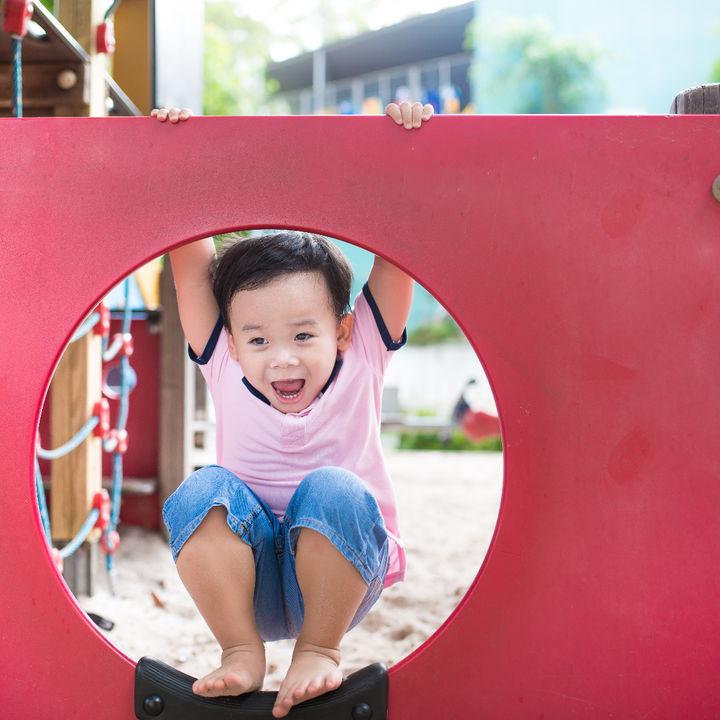 2歳の子どもと遊び場へ行こう!家族での楽しみ方や準備するもの