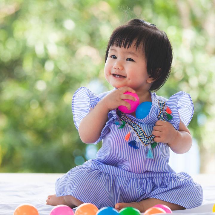 赤ちゃんが楽しめるボールのおもちゃ。選ぶときのポイントや種類